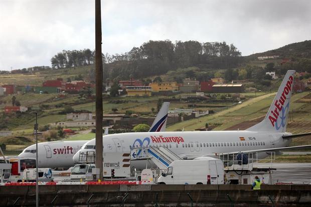 El vuelo partió pasadas las 16:40 hora local (20:40 GMT) del aeropuerto internacional de Las Américas, con 312 pasajeros a bordo, en su gran mayoría españoles, además de extranjeros residentes en España, según dijo a Efe una fuente de la compañía aérea.