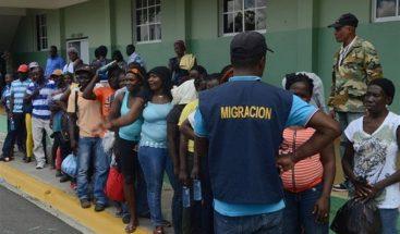 Detienen cientos de extranjeros durante operativos de interdicción en siete provincias y el GSD