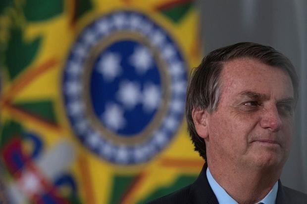 Bolsonaro destituye al titular de Turismo en medio de discordias de gabinete