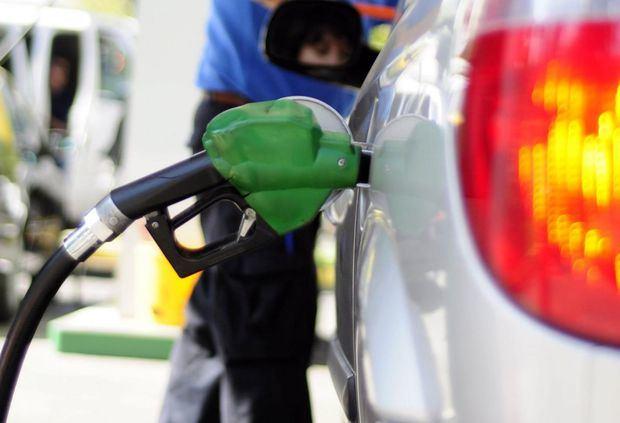 Baja la gasolina regular los demás combustibles sufren ligero aumento.