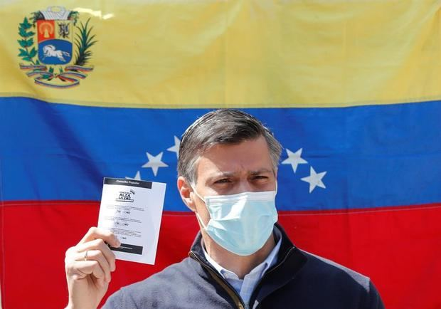Acusan a Leopoldo López de planear ataque con bombas al Parlamento venezolano