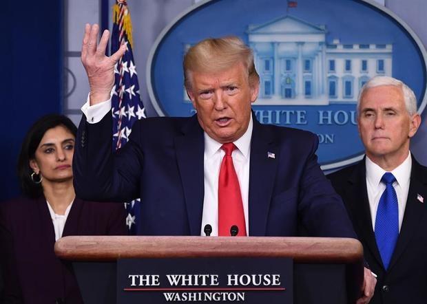Trump firmará la Ley de Protección de Defensa y suspende desahucios por el COVID-19