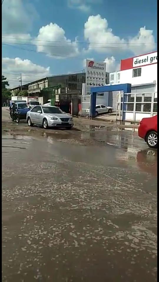 Empresarios dispuestos a cooperar con alumbrado y asfaltado de la zona Industrial de Herrera