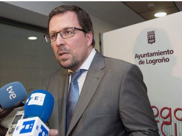 En la imagen, el secretario general de Industria y Pyme español, Raúl Blanco, quien participó en el acto de firma del acuerdo junto con el ministro de Industria dominicano, Víctor Orlando Bisonó.