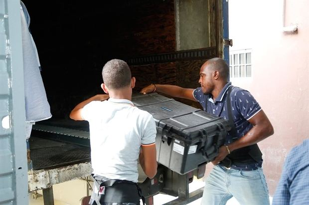 Logística electoral de distribución de maletas y valijas alcanza un 73%