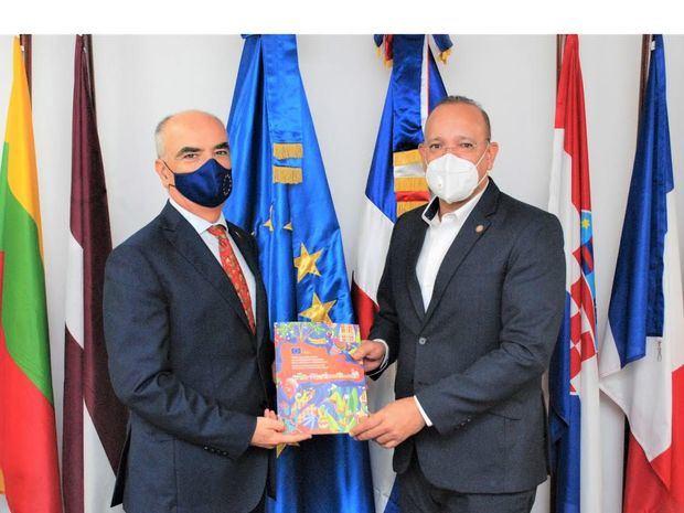 Embajador de la Unión Europea, Gianluca Grippa Y Director de PROINDUSTRIA Ulises Ródriguez.