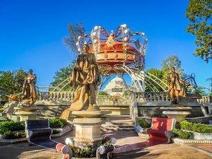 Parque y Parroquia Hato Mayor.