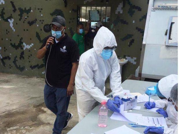 Prisiones y Salud Pública brindan asistencia médica a 63 privados de libertad de Montecristi