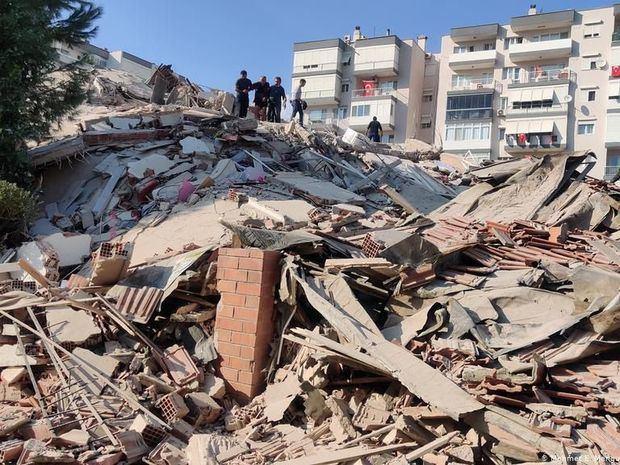 El sismo se sintió en Turquía con una magnitud de 6,8, según la agencia oficial Anadolu.