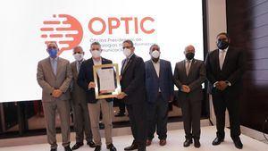 La premiación de la OPTIC donde reconoció al Hospital Pediátrico Dr. Hugo Mendoza, HPHM.