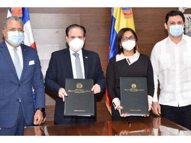 República Dominicana y Colombia renuevan por dos años acuerdos de cooperación