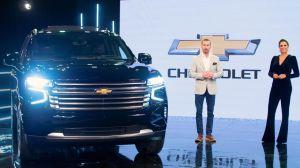 Ricardo Torres, Gerente Comercial de Chevrolet y Pamela Sued.