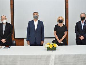 Príamo Tejeda, Vinicio Mella, Maureen Tejeda y Antón Tejeda.