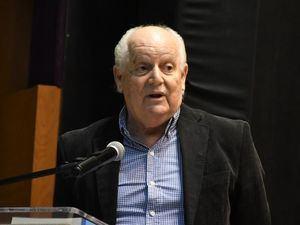 El autor del libro, Gonzalo Mejía, durante su participación en la puesto en circulación.