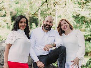 Lourdes Natera, Jovanny Romero y Nancy Reyes.