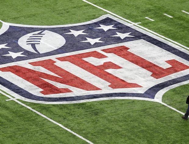 La fiebre por los partidos de fútbol americano de los domingos habla español