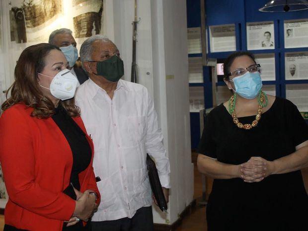 Ministra de la Mujer, Mayra Jiménez, visita instalaciones del museo memorial.