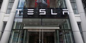 En 11 meses en 2020, la capitalización bursátil de Tesla se multiplicó por cinco a pesar de la crisis causada por la pandemia durante gran parte del año.