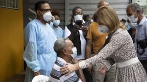 Vicepresidenta de la República, Raquel Peña, recorrió varios centros de vacunación del Gran Santo Domingo.