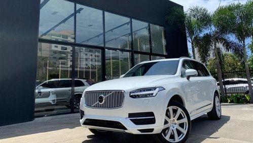 Alertan de falla en 2 modelos de Volvo que podría causar lesiones a conductor
