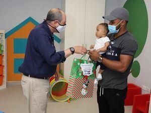 """Embajador de Israel realiza donaciones al Centro de la Diversidad Infantil y la Fundación """"Mi Milagro Isanely"""" en Punta Cana"""