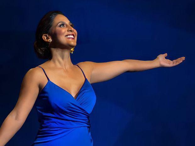 Nathalie Peña-Comas en concierto de Año Nuevo