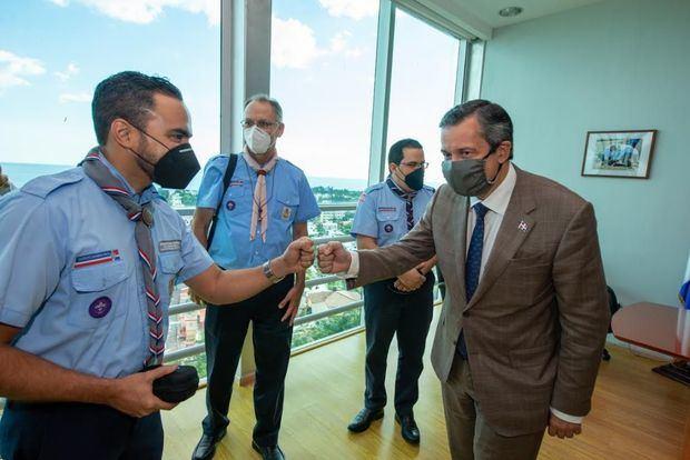 Medio Ambiente y Scouts Dominicanos firman convenio para promover respeto a recursos naturales