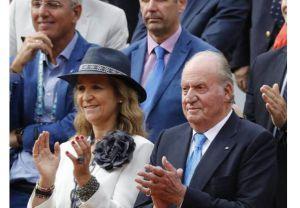 La infanta Elena esta en Emiratos con el rey Juan Carlos.