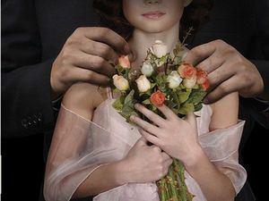 Abinader promulga ley prohíbe matrimonio infantil y crea gabinete de la mujer.