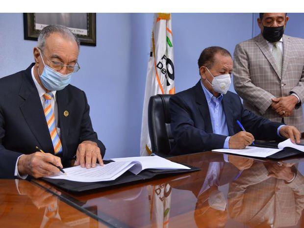 El FEDA y el Clúster del Coco firman acuerdo para industrializar la madera de ese producto y del bambú