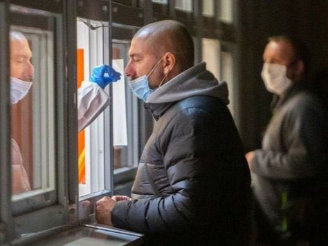 España vuelve a batir su récord de contagios y registra la incidencia más alta de la pandemia