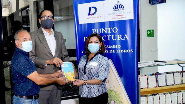 Ministerio de Educación dona 200 libros infantiles como parte de la iniciativa Punto de Lectura