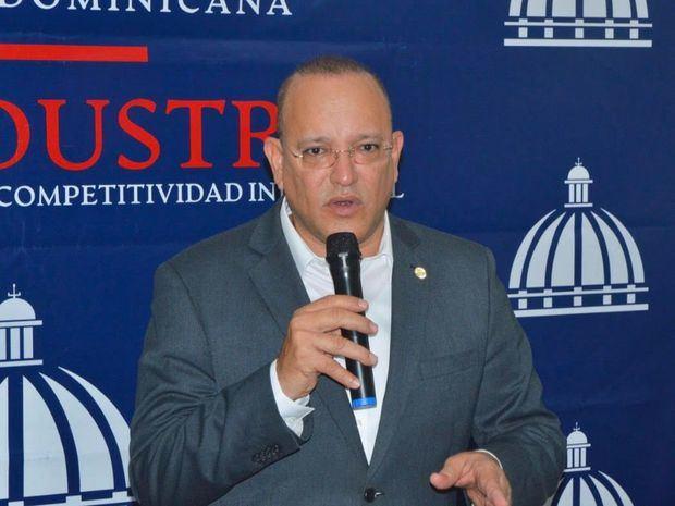 Director general PROINDUSTRIA encabeza acto de relanzamiento del Parque de Zonas Francas de Moca