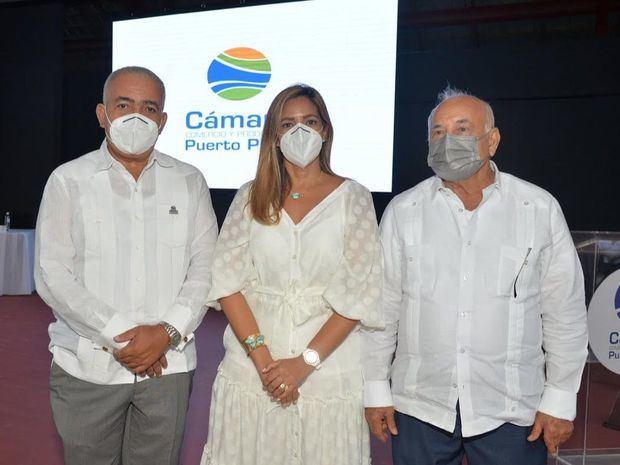 Sixto Peralta, Mileyka Brugal y Pablo T. Brugal.
