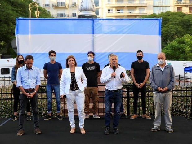 Oposición en Argentina reclama el regreso a la educación presencial