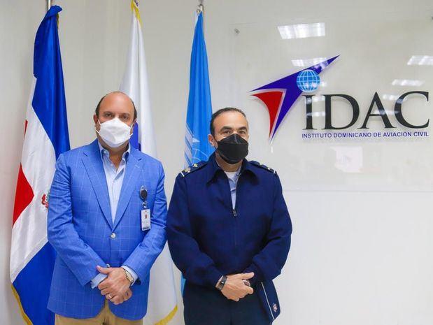 Comandante general de la fuerza área dominicana visita director general del IDAC