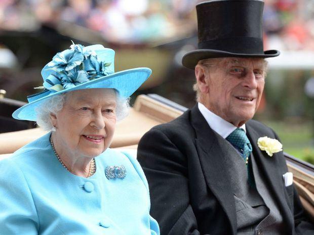 La reina Isabel de Inglaterra y el duque de Edimburgo.