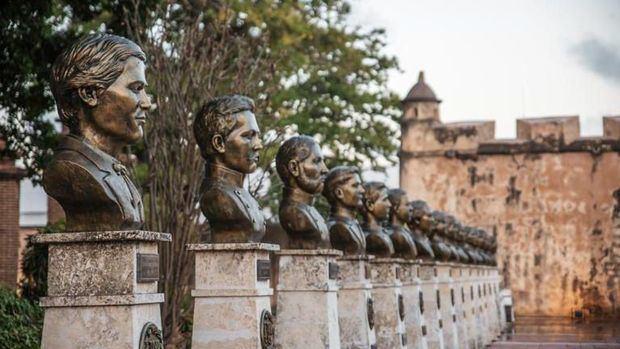 ADN, ETED y MIDE restauran alumbrado Parque Independencia