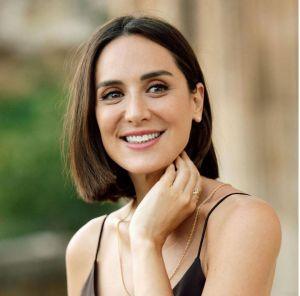 Es hija Isabel Preysler, y el marqués Carlos Falcó.