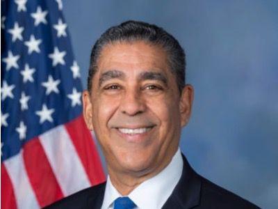 Congresista Adriano Espaillat.