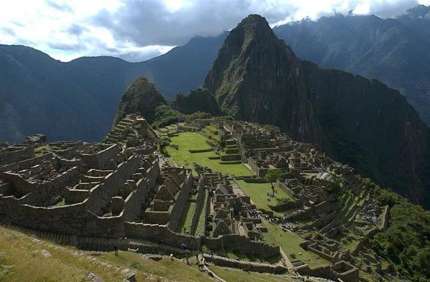 Fotografía de archivo del 01 de agosto de 2015 de una panorámica de la ciudadela incaica de Machu Picchu.