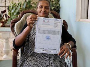 274 familias reciben del presidente Abinader certificados de títulos en Villa Altagracia