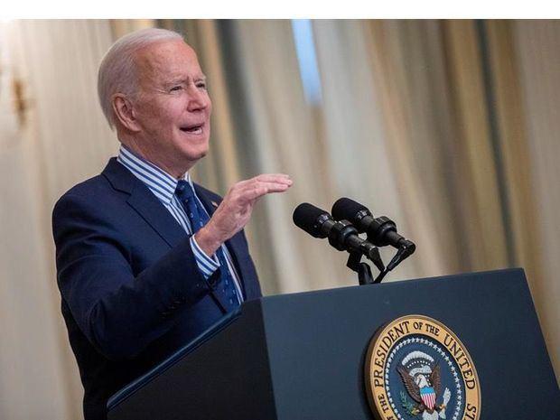 Biden celebra el nuevo plan de estímulo: Es un un