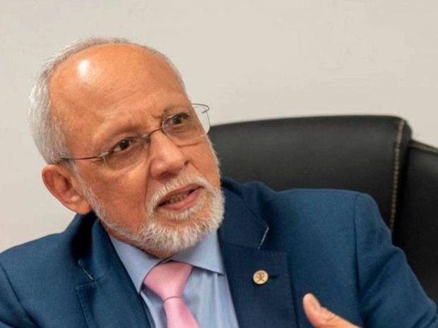 Renuncia el superintendente de Riesgos Laborales, Pedro Castellanos