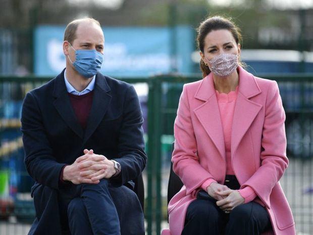 El príncipe Guillermo aseguró este jueves que la familia real británica 'no es racista'.