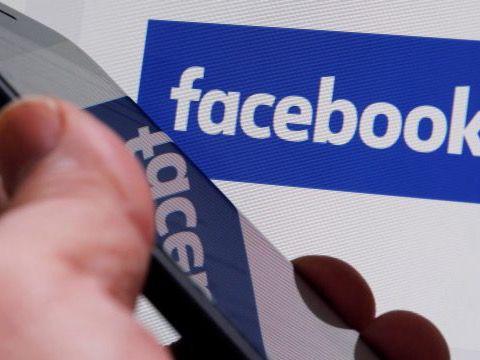 Activistas y políticos de EE.UU. piden a Facebook más moderación en español