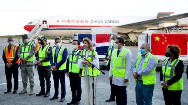 R.Dominicana recibe 1,050,000 dosis desde China para retomar la vacunación