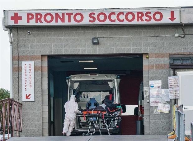 Italia suma 10.386 casos y supera los tres millones de vacunas administradas