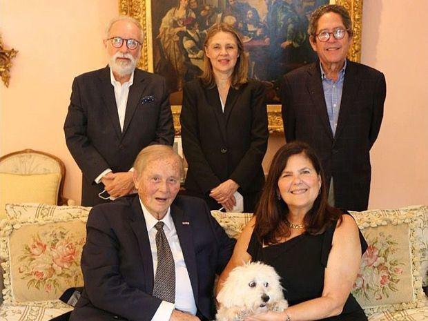 El reconocimeinto  fue entregado por  Reino de Noruega y Decana del Cuerpo Consular, Sra.  Clara Reid de Frankenberg, D. Fernando Gonzalez Nicolas, D. Gustavo Vega.