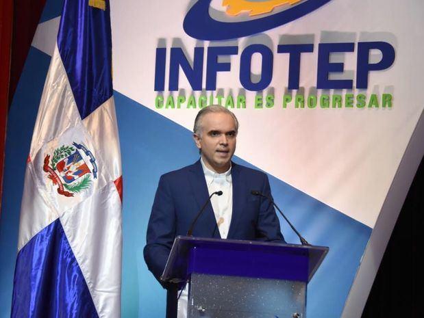 Ministro de Trabajo se compromete a apoyar proceso de modernización INFOTEP
